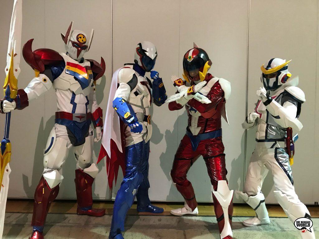 Infini-T Force Acrobat Stage: gli stunt che impersonano i quattro eroi Tatsunoko. Da sinistra: Yuta Ogasawara (Tekkaman), Yoshihiko Lida (Gatchaman), Nakanishi Awaru (Polymar) e Shinya Otsuka (Kyashan).