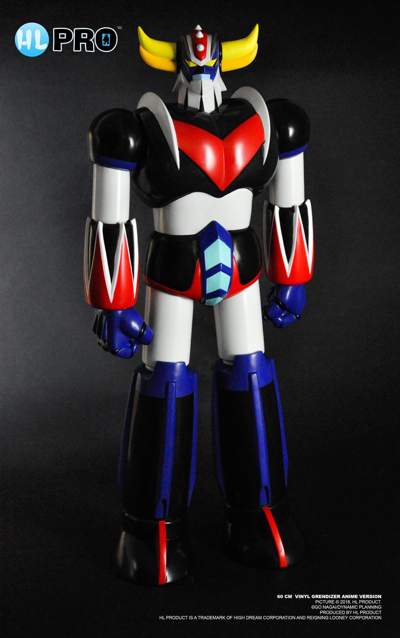 UFO Robot Grendizer Vinyl Figure di HL PRO: 60 cm di altezza e quattro snodi articolati per una migliore posabilità.